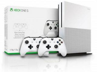 Console Lacrado Xbox One S 1TB + 2 Controles One S Branco