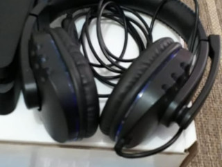 PS4 500gb 2 controles 8 jogos 1 Headset LEIA A DESCRIÇÃO