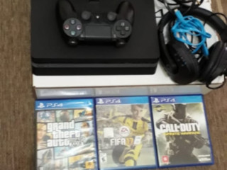 PS4 2 controles 8 jogos 1 Headset LEIA A DESCRIÇÃO