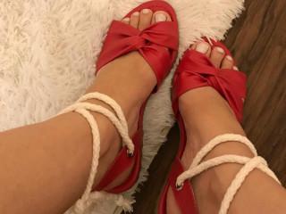 Lindas sandálias feminina várias cores e modelos especiais preços exce