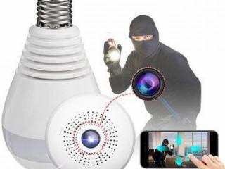 Câmera escondida em lâmpada