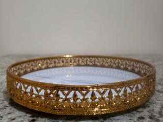 Bandeja decorativa dourada
